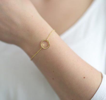 pulsera circulo dorado