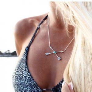 collar flecha tendencia