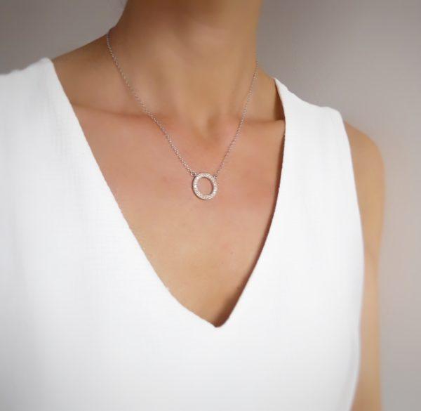 collar circulo plateado