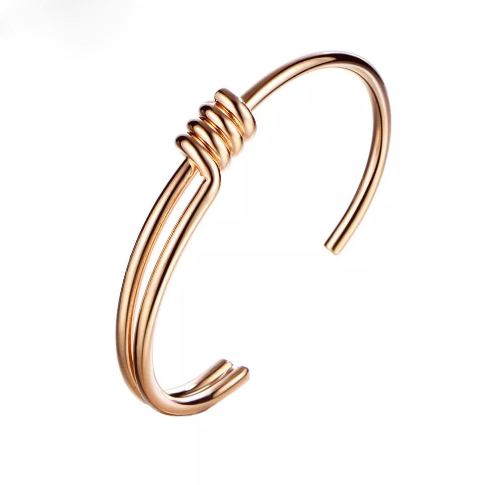 06617890e11b Pulsera dorada de moda - La pulsera tendencia de la temporada!